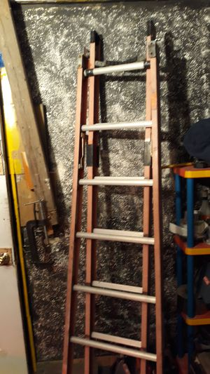 Werner 8 foot flip to a 16 foot pole ladder for Sale in Columbus, OH