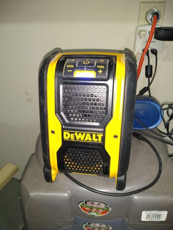 Dewalt bluetooth speaker