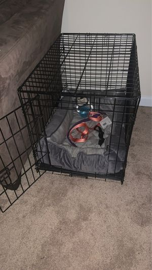 Dog crate with bed, collar and leashes for Sale in Preston, MD