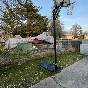 Basketball Hoop for Sale in Citrus Heights, CA