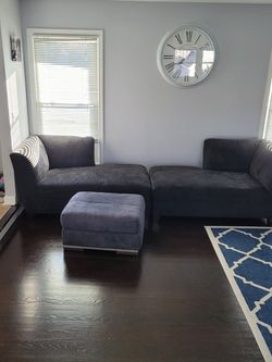 Right And Left Corner Chaise Sofa Ottoman Set for Sale in Itasca,  IL