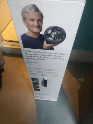 BRAND NEW luxury dyson in the box. I paid $475. for Sale in Kissimmee, FL
