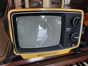 Vintage RCA television for Sale in Elizabethton, TN