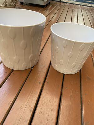 2 white ceramic pot for Sale in Auburn, WA