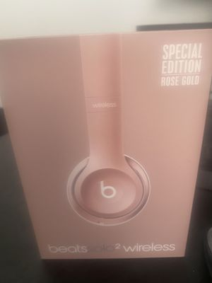 Rose gold beats by Dre wireless 2 for Sale in Collinsville, IL