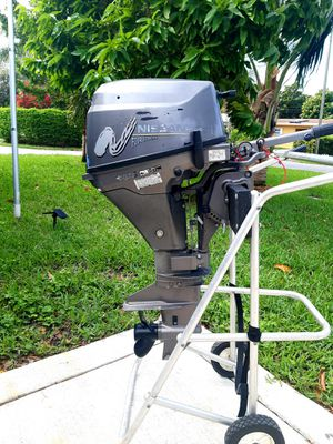 Nissan 9.8 hp 4 stroke outboard motor for Sale in Pompano Beach, FL