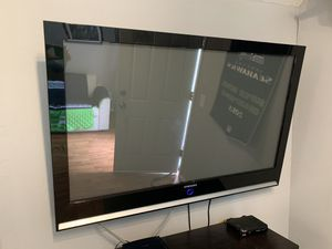 """50"""" Samsung (not smart) tv with stand. Hanging bracket not included for Sale in Lacey, WA"""