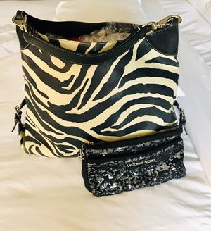 Dooney Bourke Handbags large Tote Leather Shoulder Bag Purse Zebra. for Sale in Schaumburg, IL