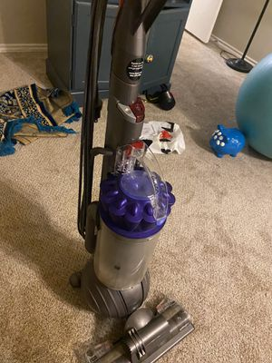 Dyson animal + vacuum for Sale in Dallas, TX