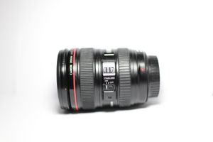 Canon EF 24-105mm f/4L IS USM zoom Lens for Sale in Sarasota, FL