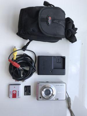 Sony Cybershot 12.1 mega pixel camera for Sale in Miami Beach, FL