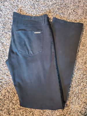 Mens Black Burberry Pants size 34, very good condition located in yorba linda for Sale in Yorba Linda, CA