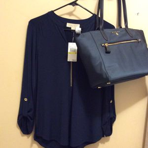I sale together purse and blouse Michael kors for Sale in Renton, WA