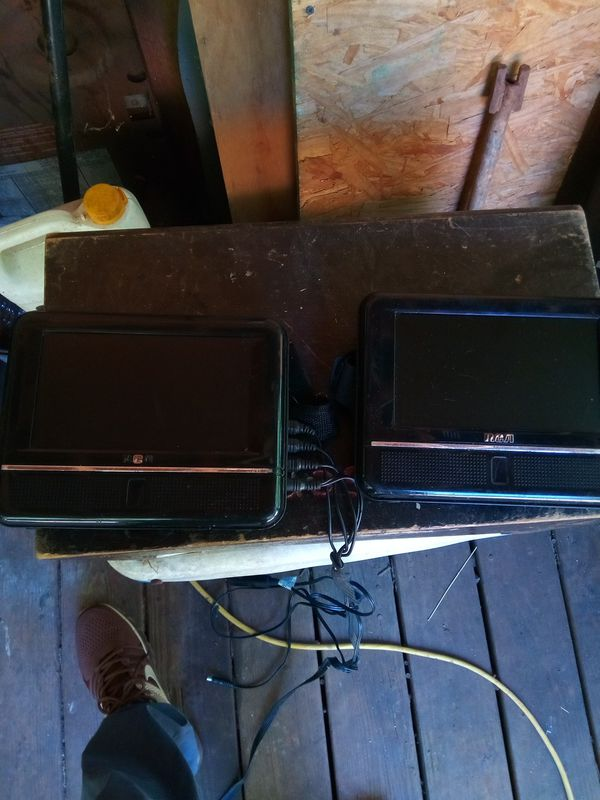 Duel rca portable DVD players for the car