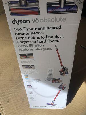 Dyson V6 Absolute cordless vacuum!!! for Sale in Marietta, GA