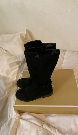Michael Kors girl boots size 2 for Sale in Phoenix, AZ