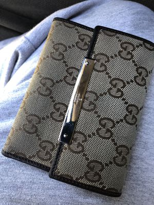 Gucci wallet authentic for Sale in Santa Fe Springs, CA