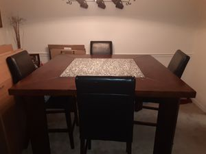 Dining table for Sale in Lutz, FL
