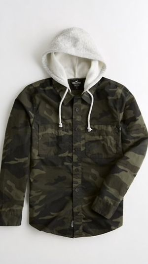 HOLLISTER BRAND NEW... SIZE MEDIUM , LARGE AND XLARGE ONLY...$35 dlls ...PRICE IS FIRM/NO LESS/NO SHIP/NO DELIVERY for Sale in Colton, CA