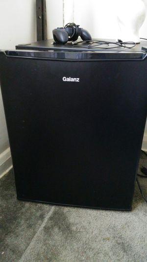 Mini fridge for Sale in Baltimore, MD