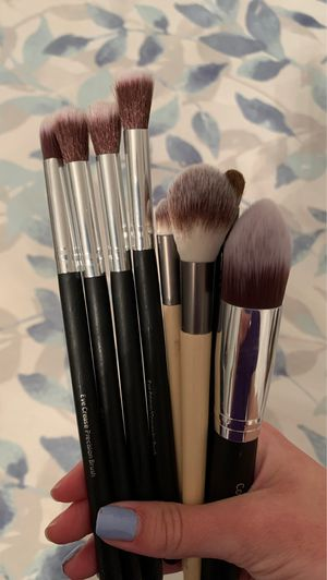 Bundle of makeup brushes for Sale in Lowell, MA