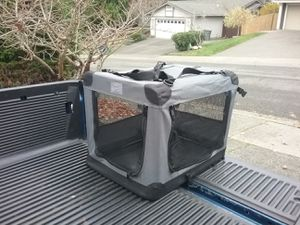 """Soft Lightweight Travel Medium Dog Kennel Crate like New 25"""" L by 20"""" W 20""""H for Sale in Federal Way, WA"""