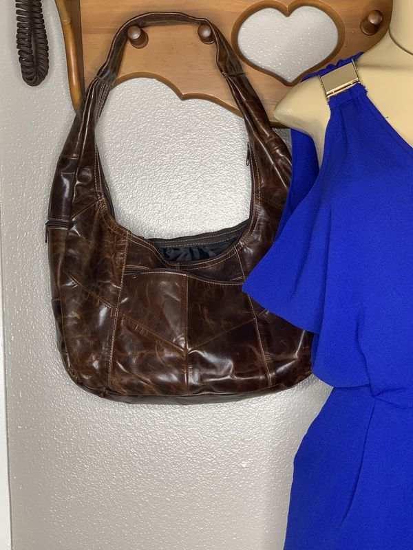 BROWN LEATHER HOBO BAG (Shipping only 📦📬 no local pick ups)