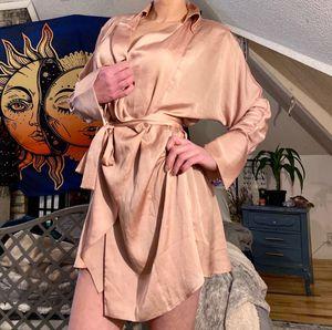 Bcbg silk wrap dress for Sale in Grandville, MI