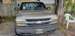 2001 Chevy Silverado 1500, motor 4,3, V6 for Sale in Miami, FL