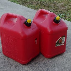 5 Gallon gas can tank for Sale in Port St. Lucie, FL