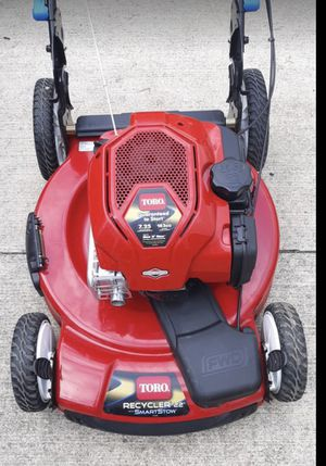 Toro self-propelled lawn mower never been used 22 in Garden Tea to start 7.25 horsepower motor for Sale in Reynoldsburg, OH