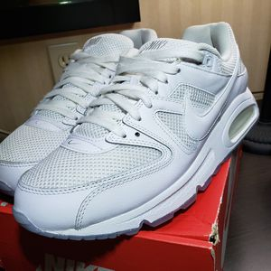 Nike Air Max **LIKE NEW** for Sale in El Monte, CA