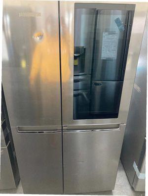 LGFRIDGE 26.8 cu. ft. Side by Side Refrigerator with InstaView Door-in-Door for Sale in Whittier, CA