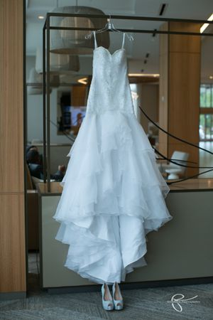 Wedding Dress Size 10-12 for Sale in North Miami Beach, FL