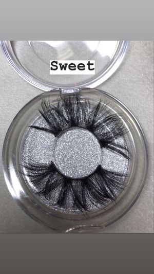 Lashes / gloss / bandannas for Sale in Fresno, CA