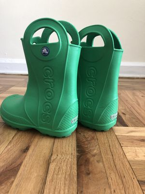 Crocs rain boots. Kids size 10 US. for Sale in Brooklyn, NY