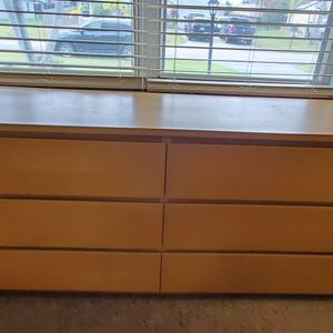 Large Dresser With 6 Drawers for Sale in Port St. Lucie, FL