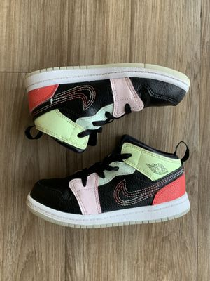 Air Jordan 1 Mid SE TD Glow in the Dark Sz 10 c for Sale in Oxon Hill, MD