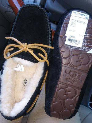 Brand new uggs size 5 for Sale in Austin, TX