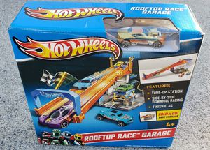 HOT WHEELS Rooftop Race Garage Playset NEW Rare Version! for Sale in Lake Elsinore, CA