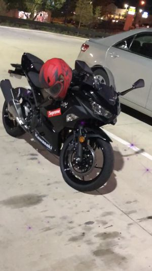 Motorcycle Kawasaki ninja 400 2018 for Sale in Kennesaw, GA