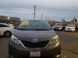 2012 TOYOTA SIENNA LE AUTOMATIC TRANSMISSION . ZERO DOWNPAYMENT REQUIRED ON APPROVED CREDIT. for Sale in Modesto, CA
