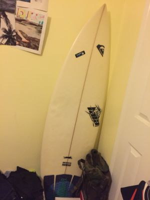 Surfboard short board 5'7 for Sale in Covina, CA