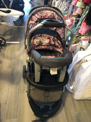 Baby girl Stroller and Car Seat for Sale in Las Vegas, NV