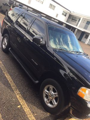 Ford Explorer run and driver good AC work only high Millage but the car is perfect for Sale in St. Petersburg, FL