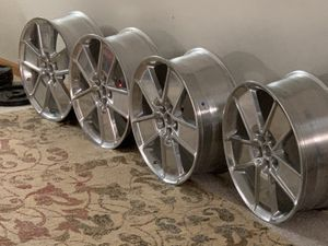 21x8.5 5 bolt pattern. Item # 92244574. Aluminum Polished .Brand New (center caps and lugs not included) for Sale in MIDDLEBRG HTS, OH