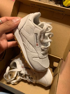 Size 4 Reebok for infants/toddler for Sale in Dallas, TX