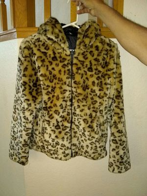 Girl's Gymboree Beautiful Faux Fur Coat with hood Size 12 in Excellent Condition for Sale in Modesto, CA