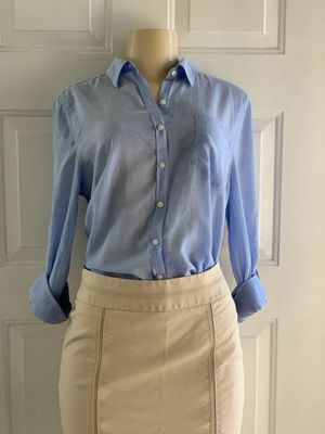 Woman's shirt size med fits $$$7 for Sale in Fontana, CA
