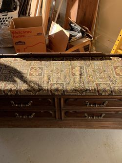 Cedar Chest for Sale in Clermont,  FL